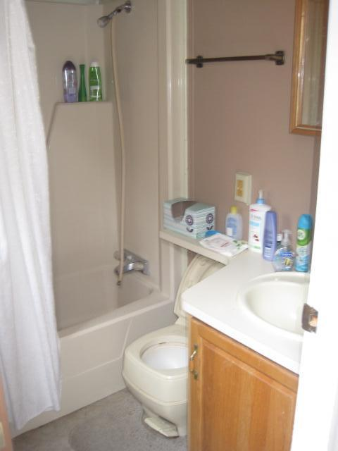 Bathroom_7262.jpg